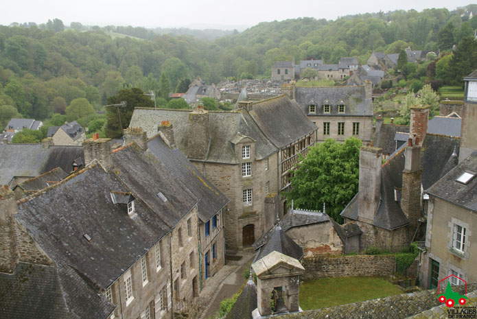 Moncontour village de France