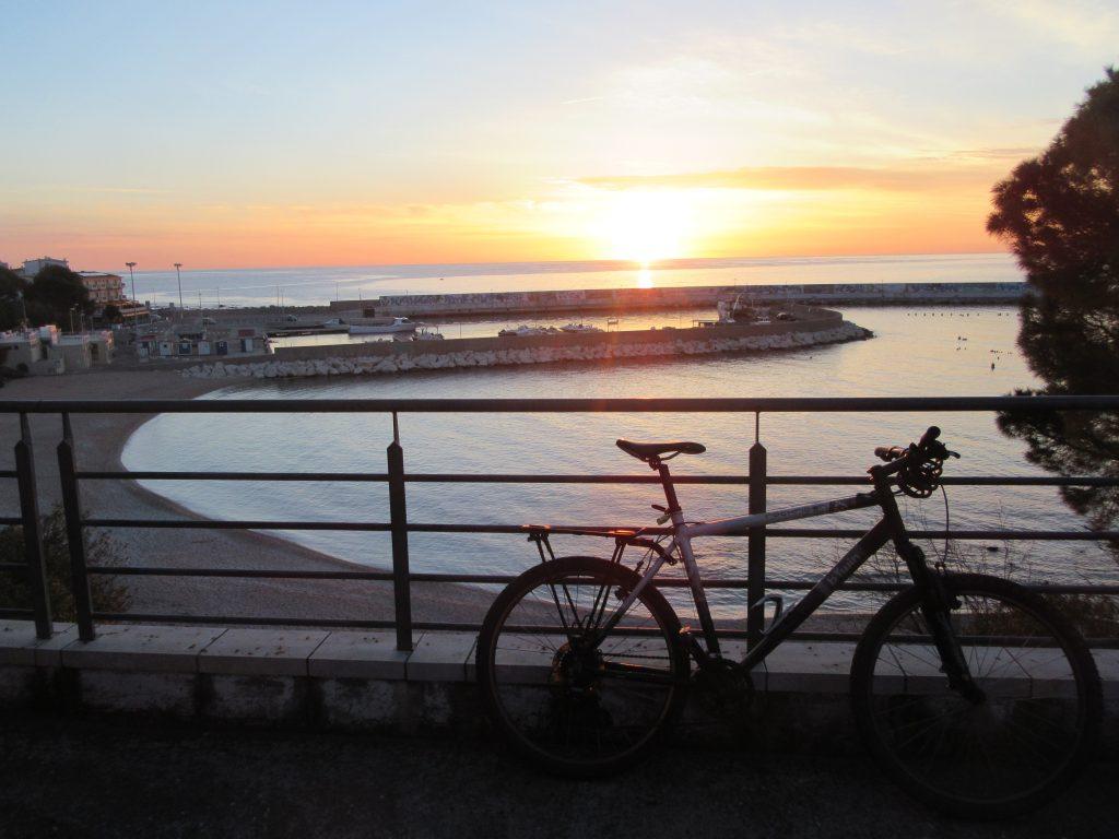 Cala Gonone lever de soleil