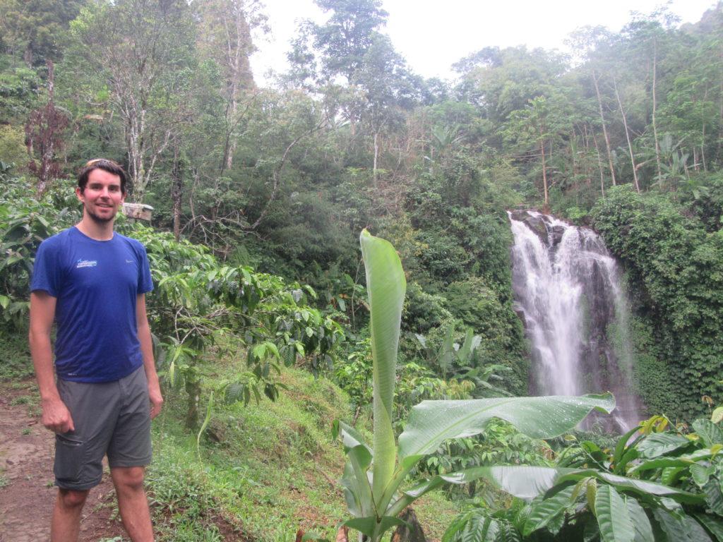 Cascade Munduk jungle