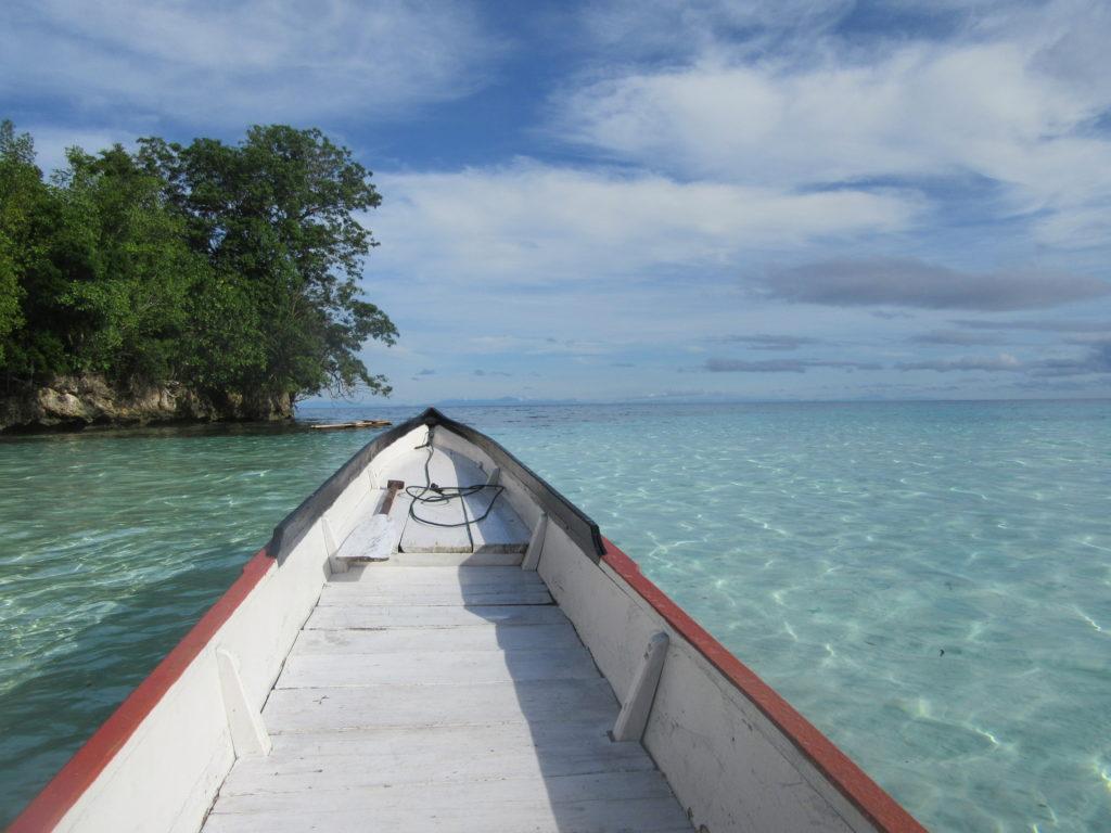 L'île de Malenge dans l'archipel des Togian. Sulawesi Sera Beach