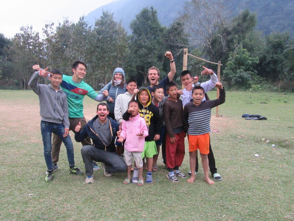 foot au Laos à Muang Ngoy