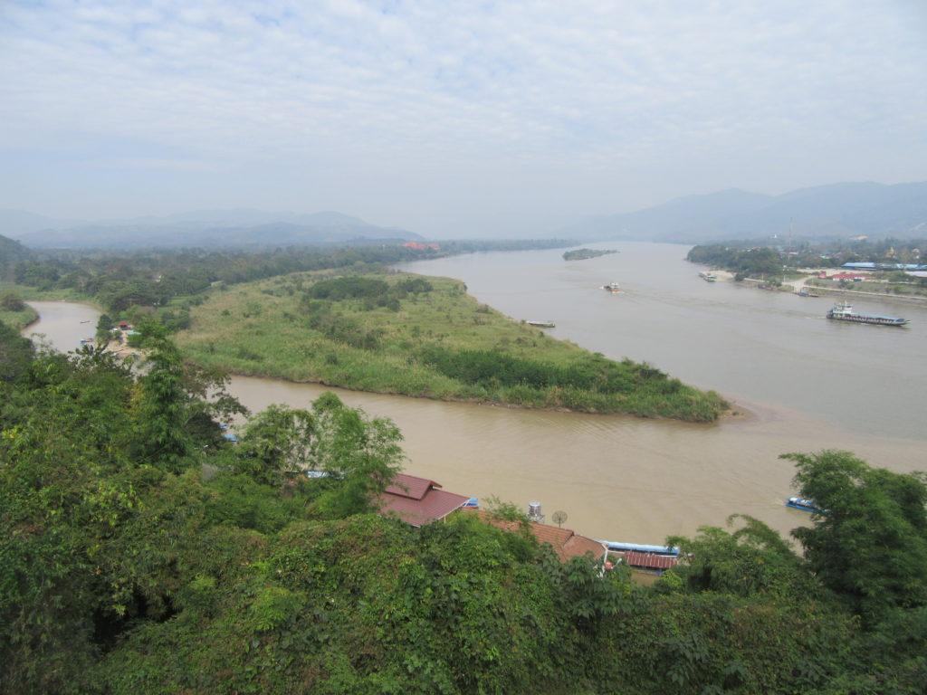 Le traingle d'or entre la Thailande le Laos et le Myanmar. Trafic opium