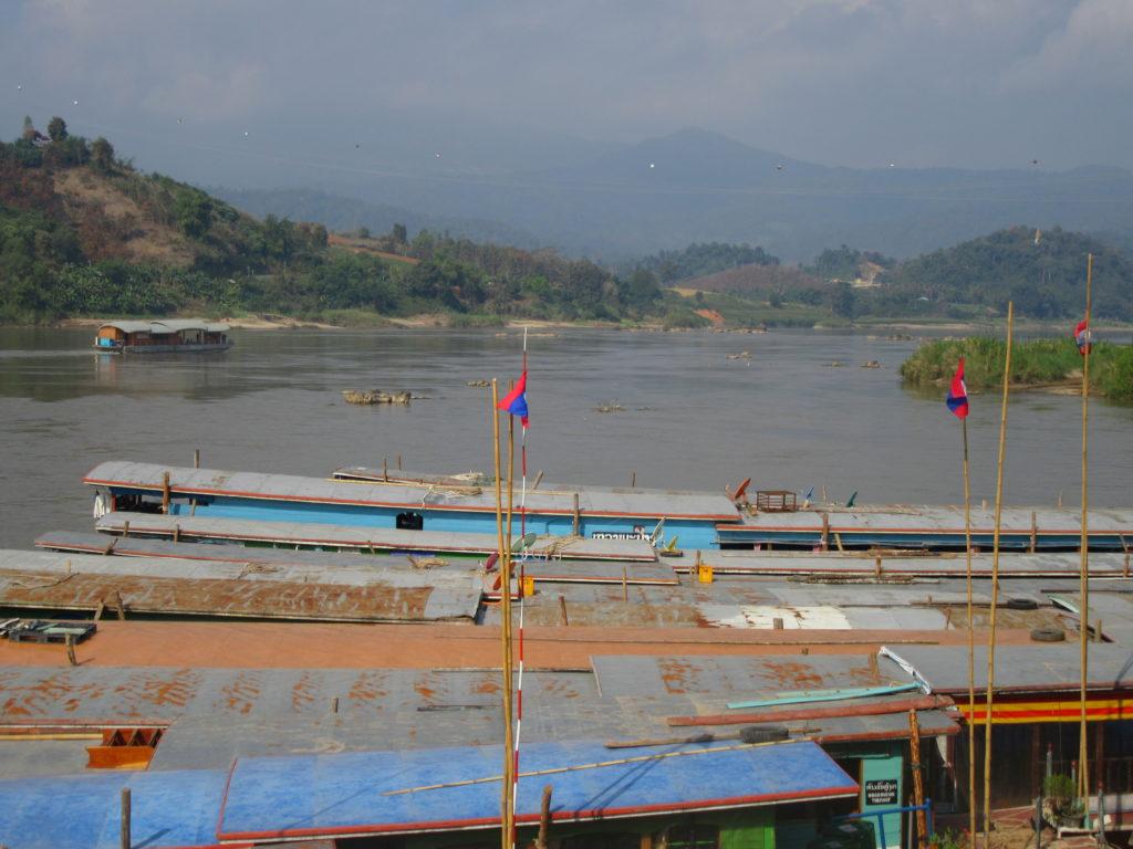 Slow boat Luang Prabang laos