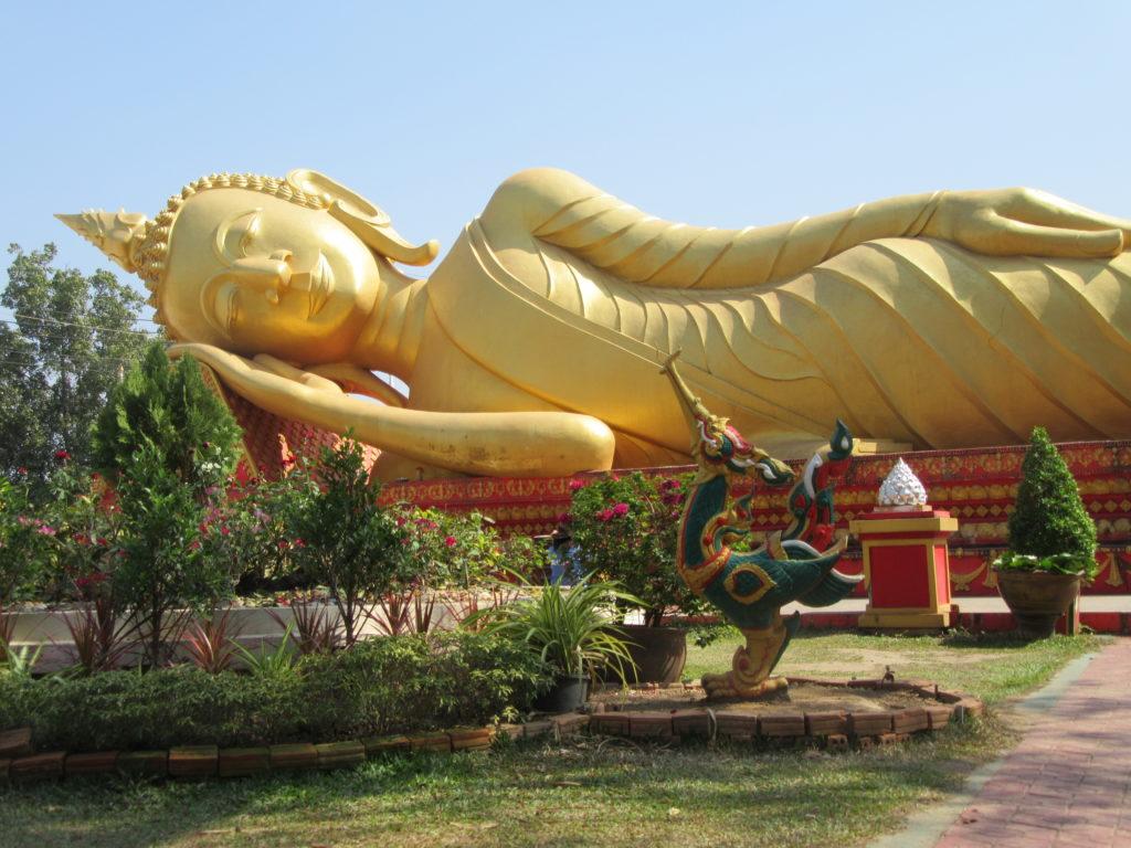 Vientiane la capitale du Laos voyage en Asie du Sud-Est Bouddha couché
