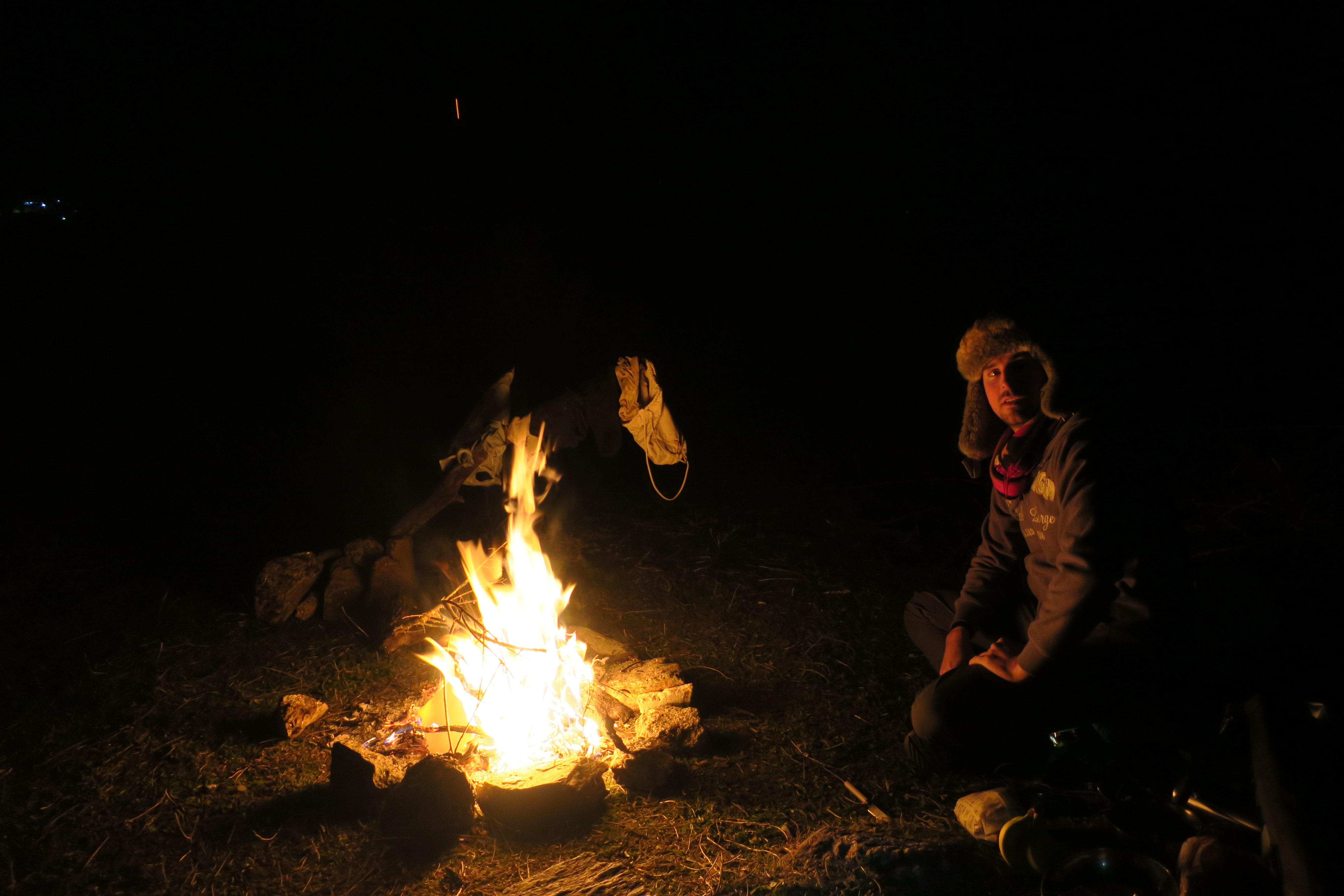 bivouac auvage feu de camp en Espagne