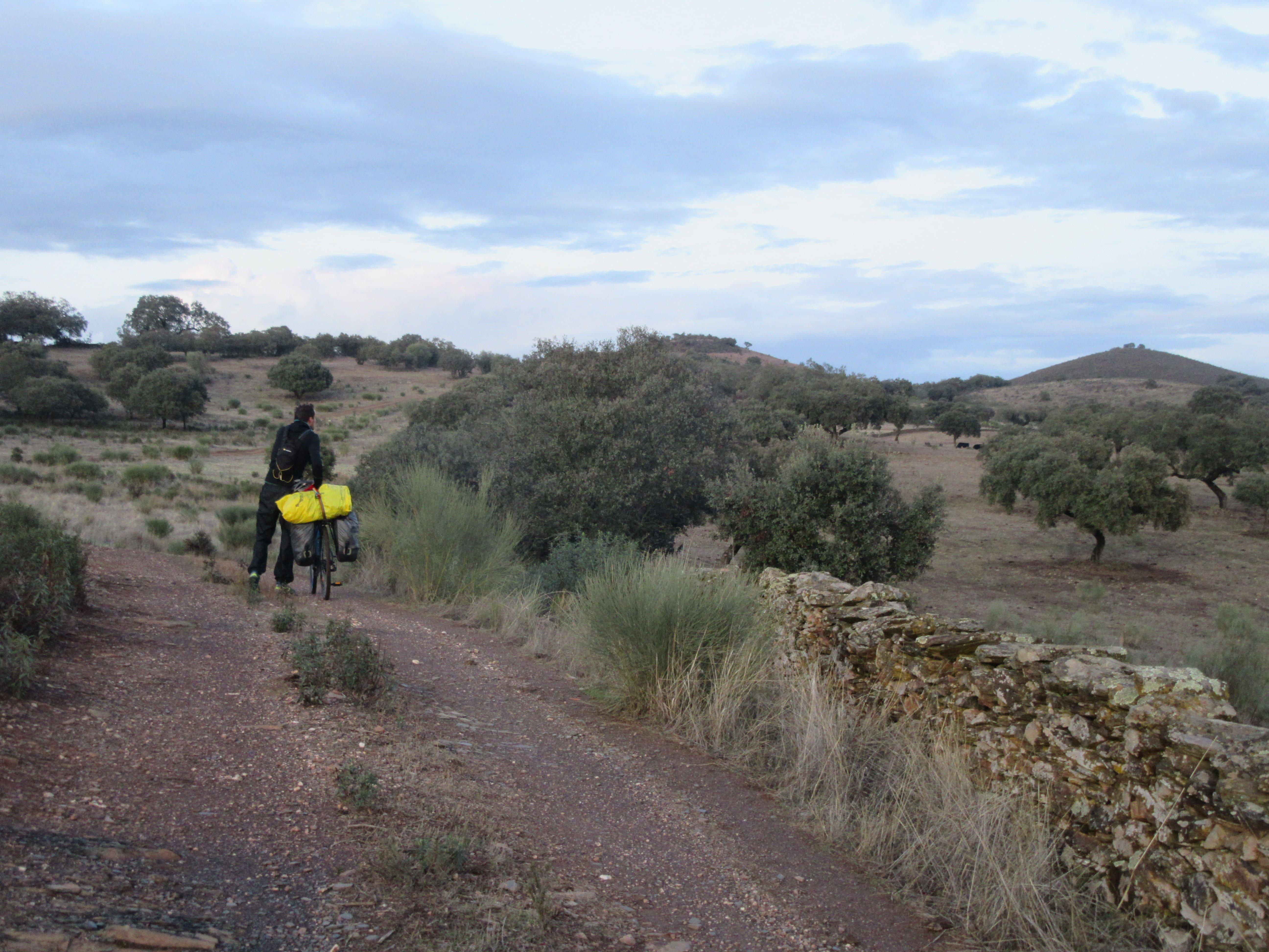 recherche lieu pour planter le bivouac en Espagne