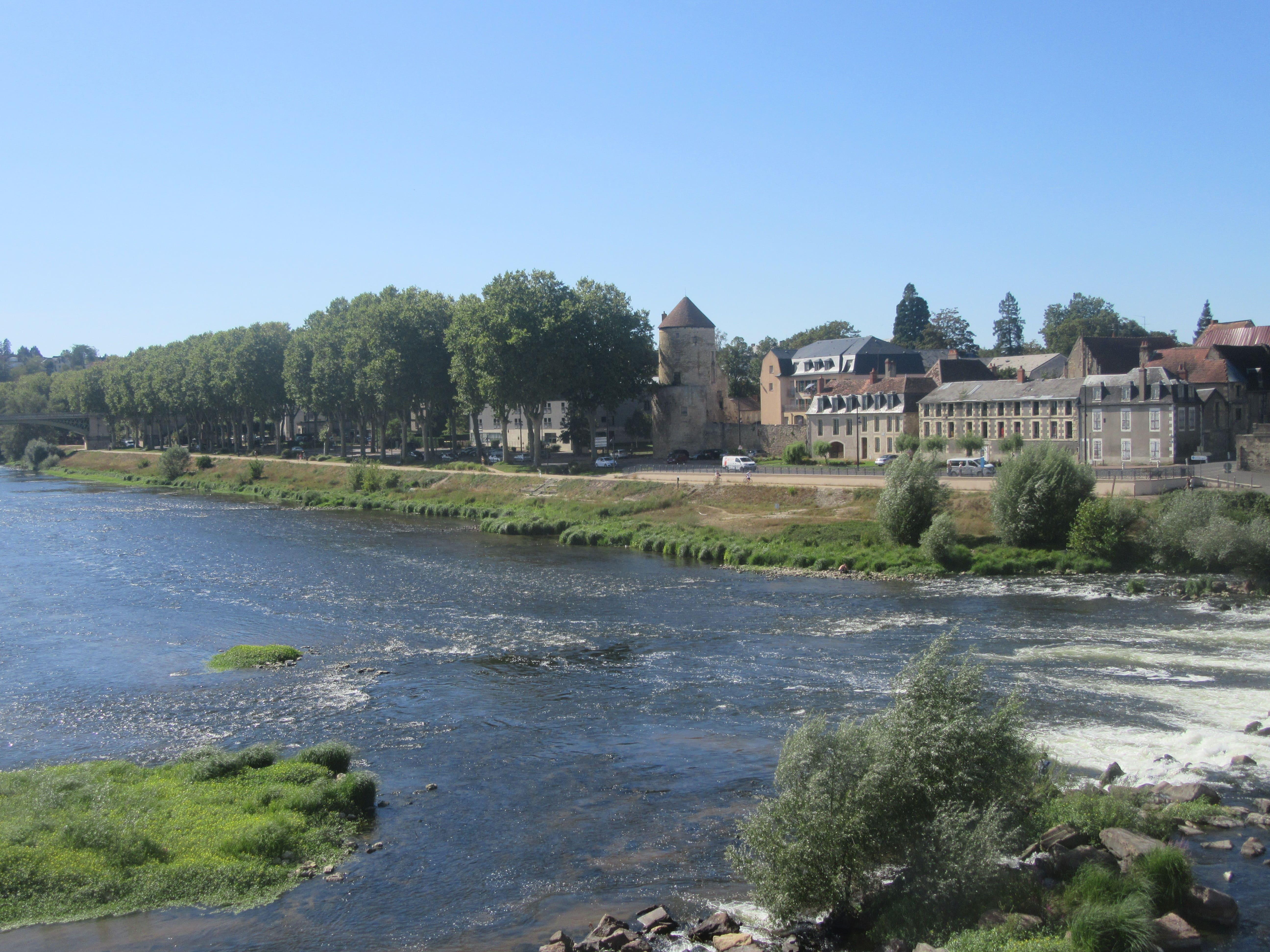 La Loire à Nevers itinéraire Loire à Vélo