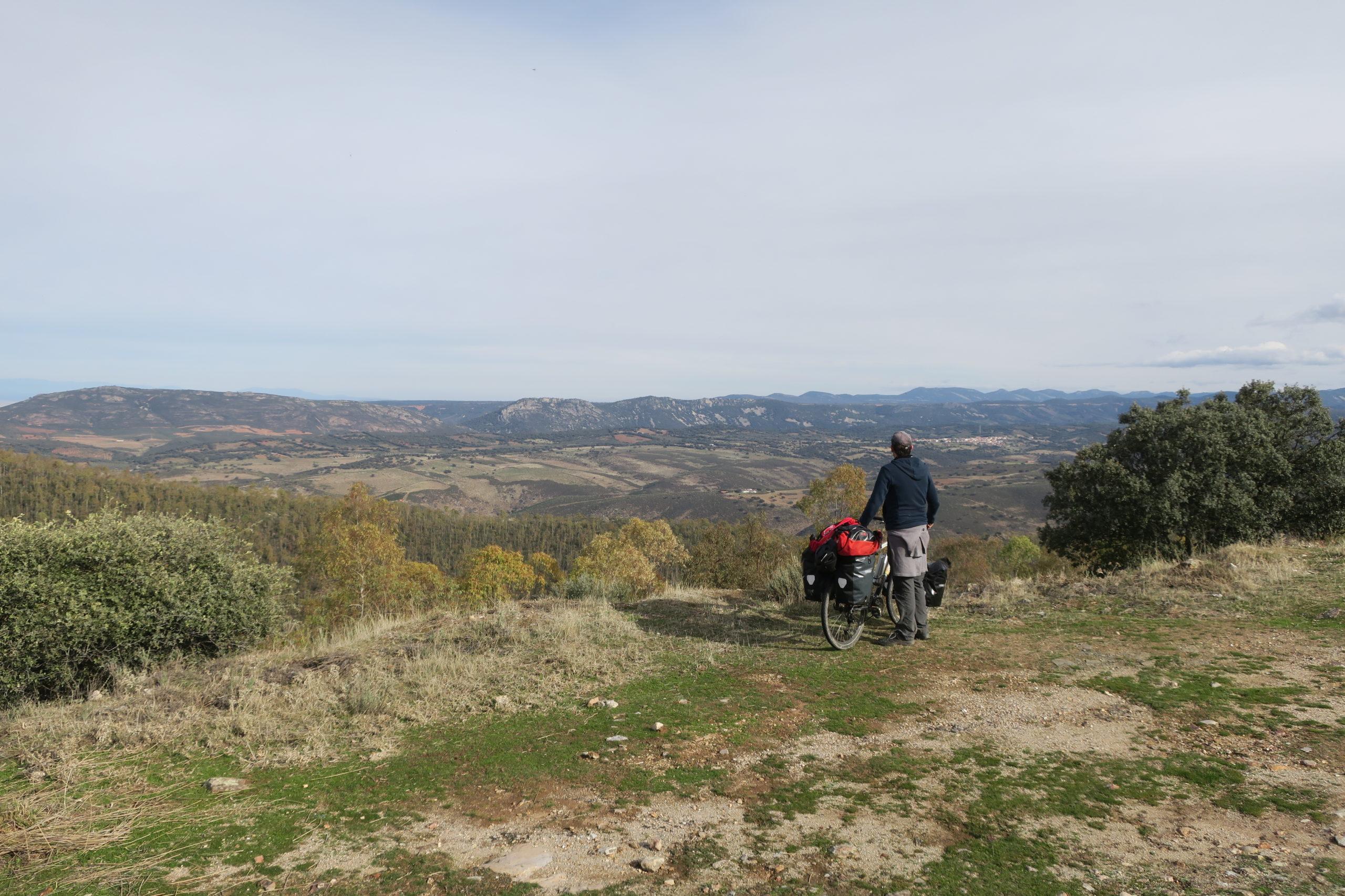 Voyage à vélo en Espagne dans les montagnes de l'Estremadure