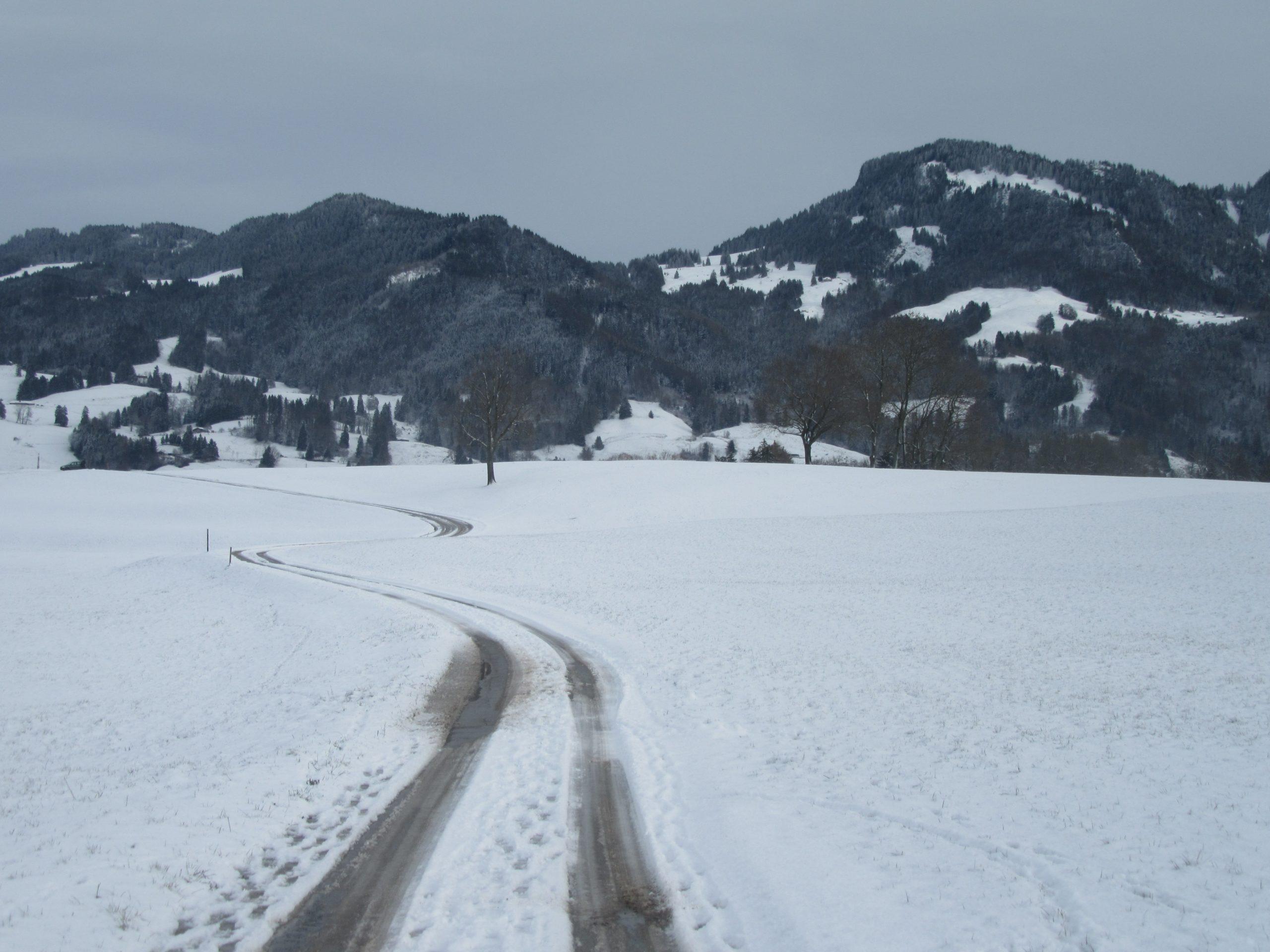 montagnes enneigées en Suisse