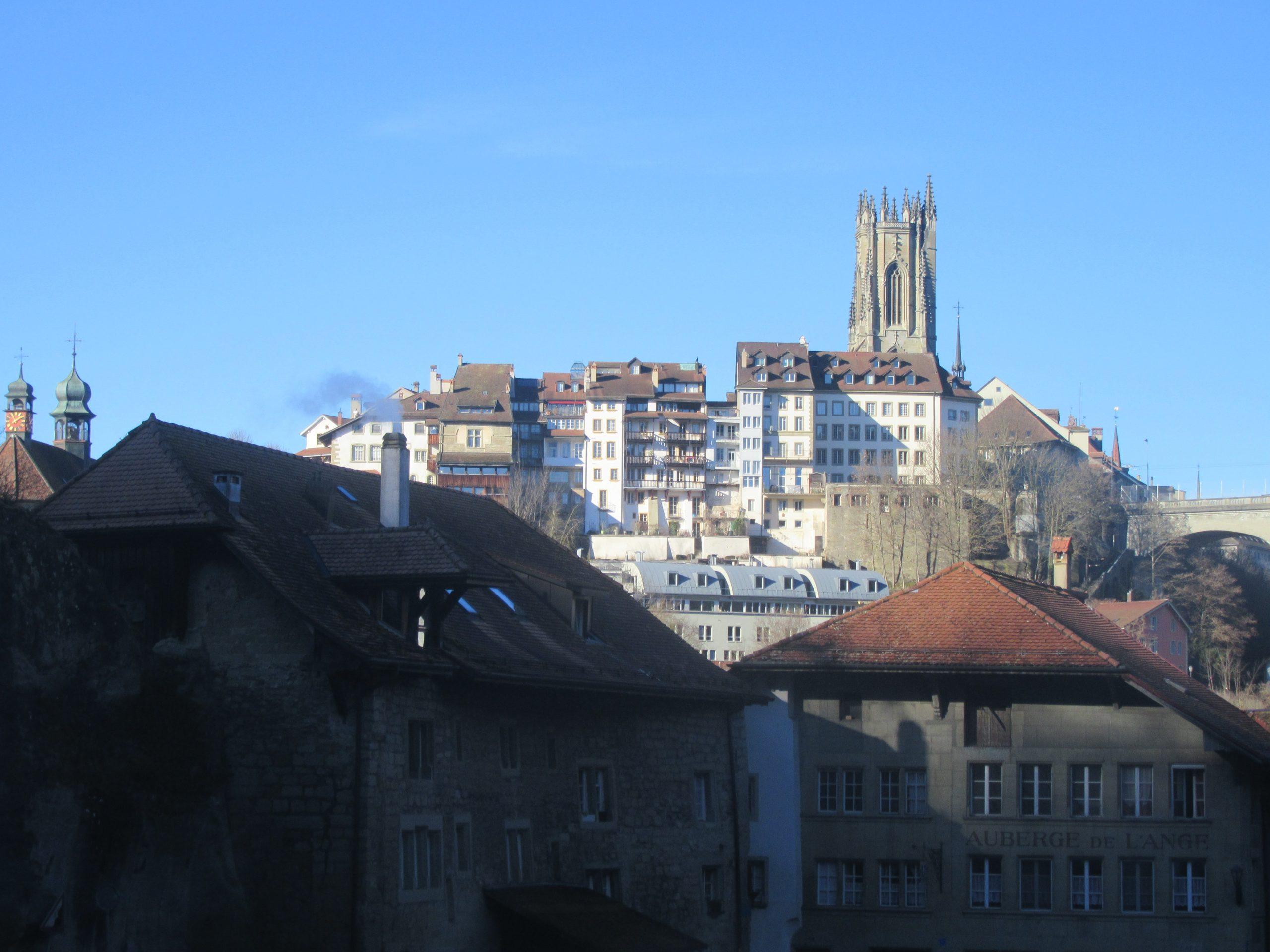 La cathédrale Saint Nicolas de Fribourg en Suisse