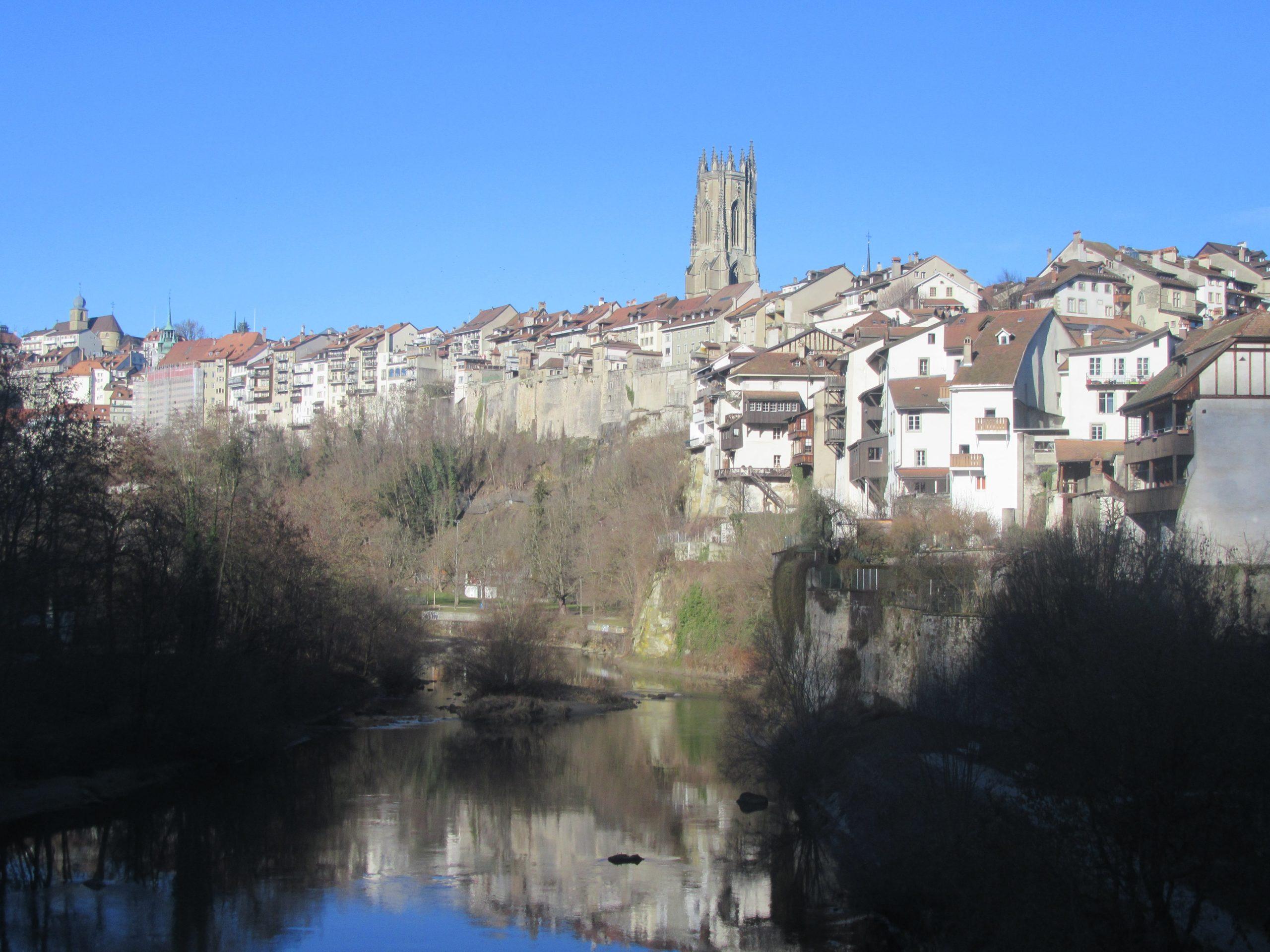 Fribourg vue depuis le pont du milieu